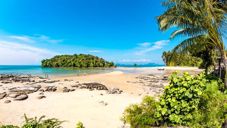 DEr Klong Muang Beach